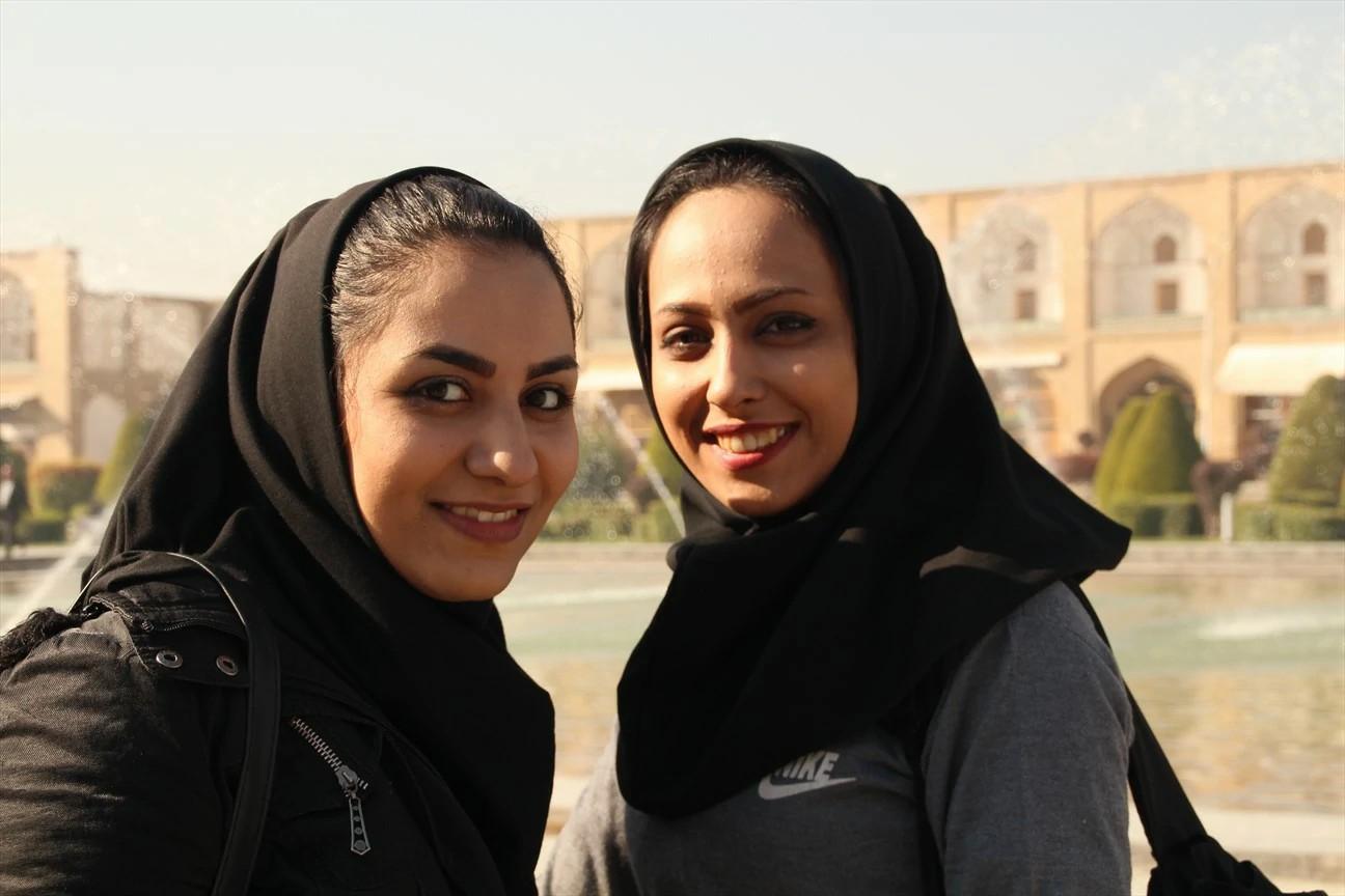 Neste Dia Internacional da Juventude, lembramos da igreja secreta no Irã que cresce, principalmente, entre os jovens