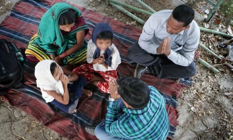 O parceiro local da Portas Abertas Abishek acompanha as dificuldades enfrentadas por famílias cristãs na Índia