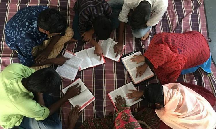 Cenário religioso na Índia não favorece cristãos, mas a igreja continua crescendo