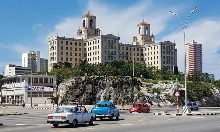 Os ensinamentos cristãos batem de frente com a ideologia comunista de Cuba