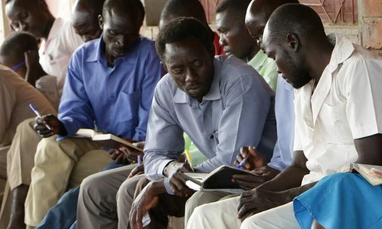 Sudaneses ganham direito de ir à igreja aos domingos