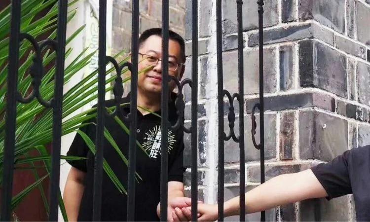 O pastor Wang Yi reconheceu a autoridade do governo chinês, mas admitiu que será fiel aos preceitos de Deus