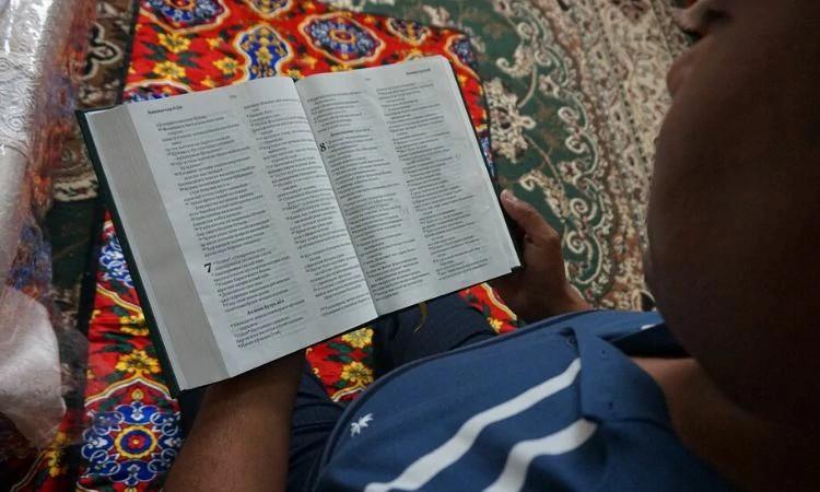 Mobilize a sua igreja para orar no Domingo da Igreja Perseguida pelos cristãos ex-muçulmanos no Uzbequistão