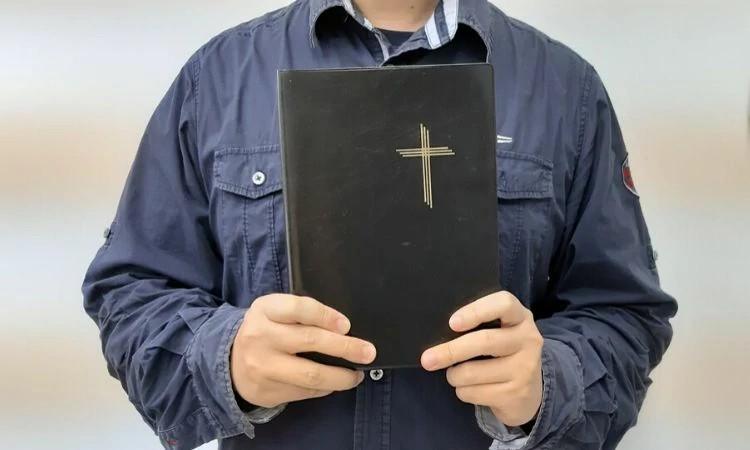 Os encontros virtuais têm aproximado os cristãos perseguidos na China, principalmente os idosos
